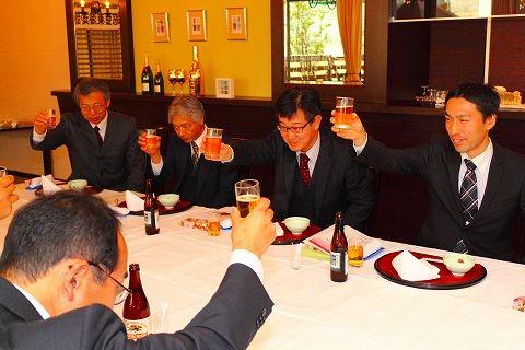 猿見田副支部長 乾杯